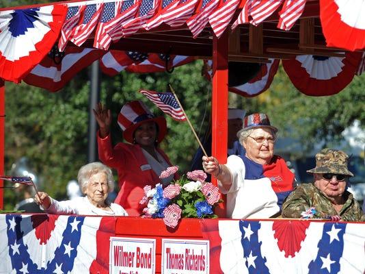 -Veterans Day17.jpg_20131111.jpg
