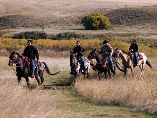 2-riders NEZ PERCE