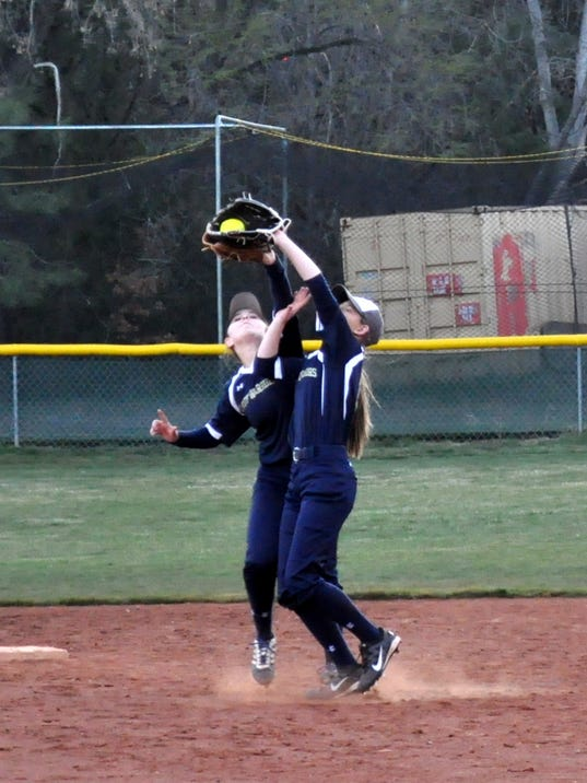 RHS-softball-465.JPG