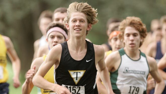 Sam Parsons en route to the Joe O'Neill Invitational cross country title at Bellevue State Park his senior year at Tatnall in 2011.