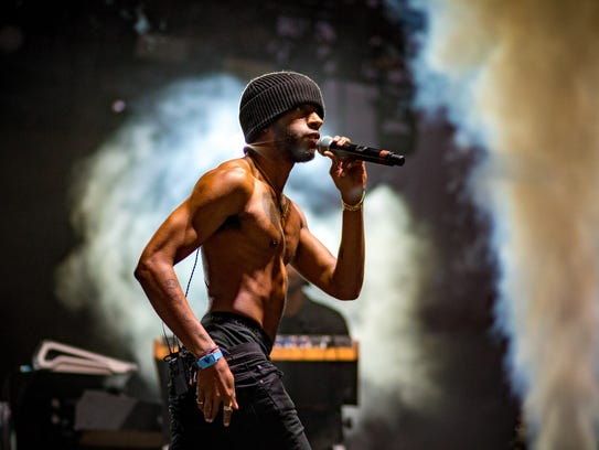 6Lack performs during the Camp Flog Gnaw Carnival at