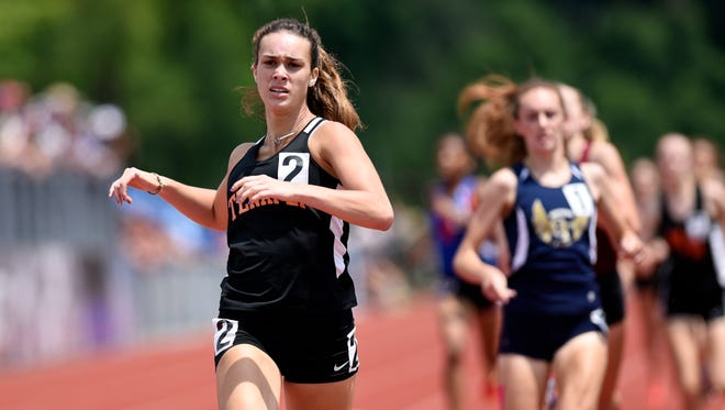 Tenafly's Lexi Del Gizzo looks to repeat as 800 state champion this year.