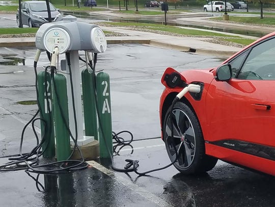 The Michigan Public Service Commission this week approved a pilot program offered by Consumers Energy Co. to provide rebates and special rates for electric vehicle owners.