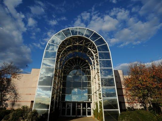 -mall02.jpg_20121203.jpg