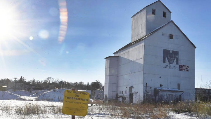 Contract to remove historic granary approved by Sturgeon Bay City Council