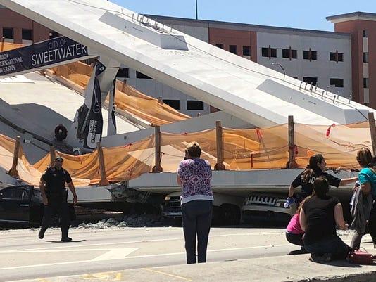 AP UNIVERSITY BRIDGE COLLAPSE A USA FL
