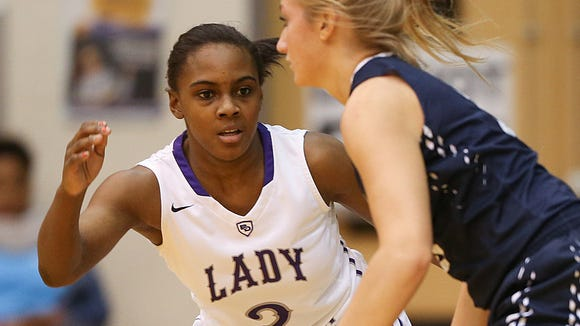 Ben Davis Giants guard Cherrelle Newsom