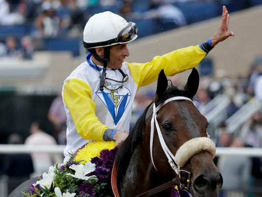 Forever Unbridled Caps Day Of Upsets On Breeders Cup