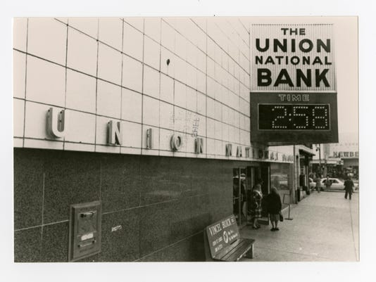 Union National Bank 1950 1960_Photo Box B_110.150.3