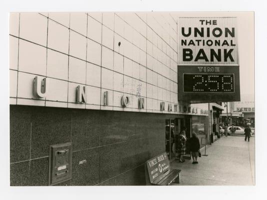 Union National Bank 1950 1960_Photo Box B_110.150.3