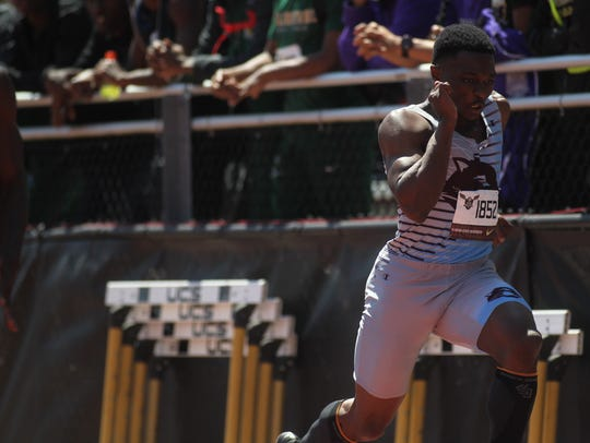 Gadsden County's Dequavious Charleston runs the 100m