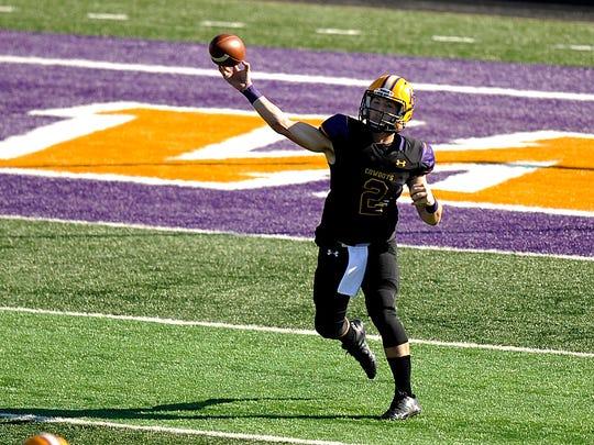 Hardin-Simmons quarterback Ryan Breton (2) throws a pass during the third quarter of the Cowboys' 47-17 win on Saturday, Nov. 12, 2016, at HSU's Shelton Stadium. Hemphill scored a school-record six touchdowns in the game.