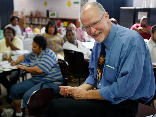 Paul Vallas meets with teachers on Aug. 14, 2008, at