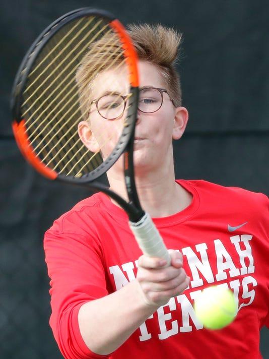 636591574986654620-APC-Boys-Tennis-East-vs-Neenah-1282-041218-wag.jpg