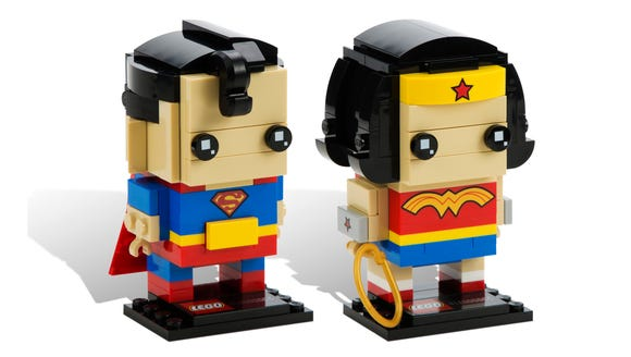 Superman and Wonder Woman LEGO BrickHeadz.