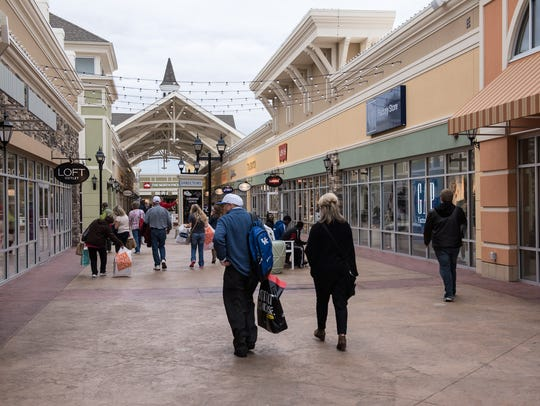 Shoppers on Election Day at the Outlet Shoppes of the