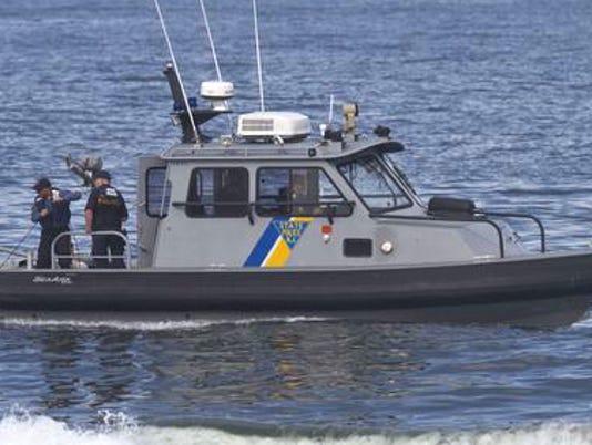 636058123355330488-State-Police-boat.jpg