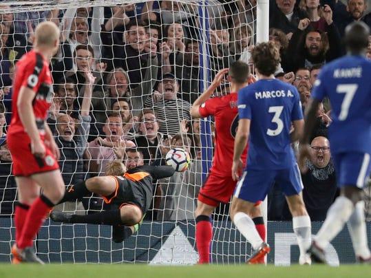 Britain_Soccer_Premier_League_50787.jpg