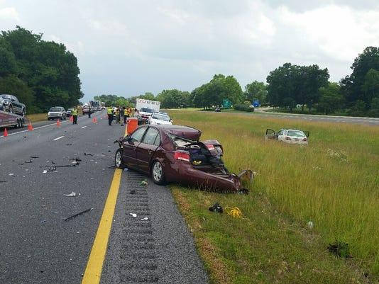 636015186298132719-I-24-crash.jpg