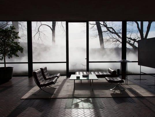 Homes-Glass House-Fog_Atzl-1.jpg