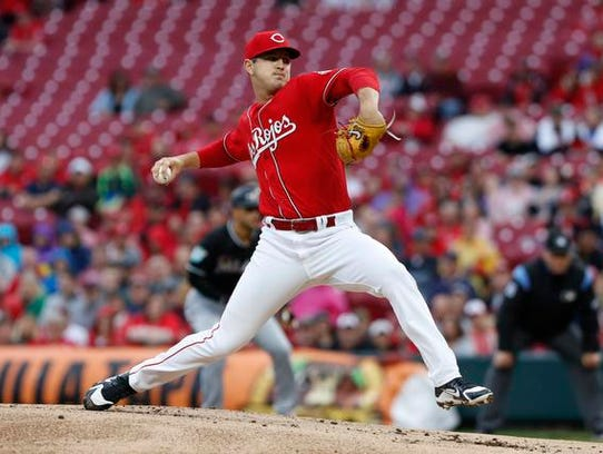 Cincinnati Reds starting pitcher Tyler Mahle (30) throws