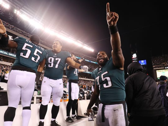 Philadelphia Eagles defensive end Vinny Curry (75)