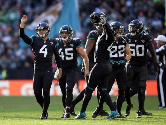 Jaguars_Eagles_Football_56348.jpg