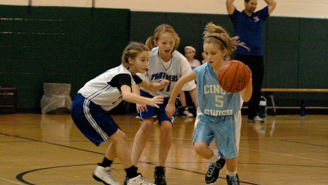 Basketball leagues for girls and boys are registering players in the El Paso area.