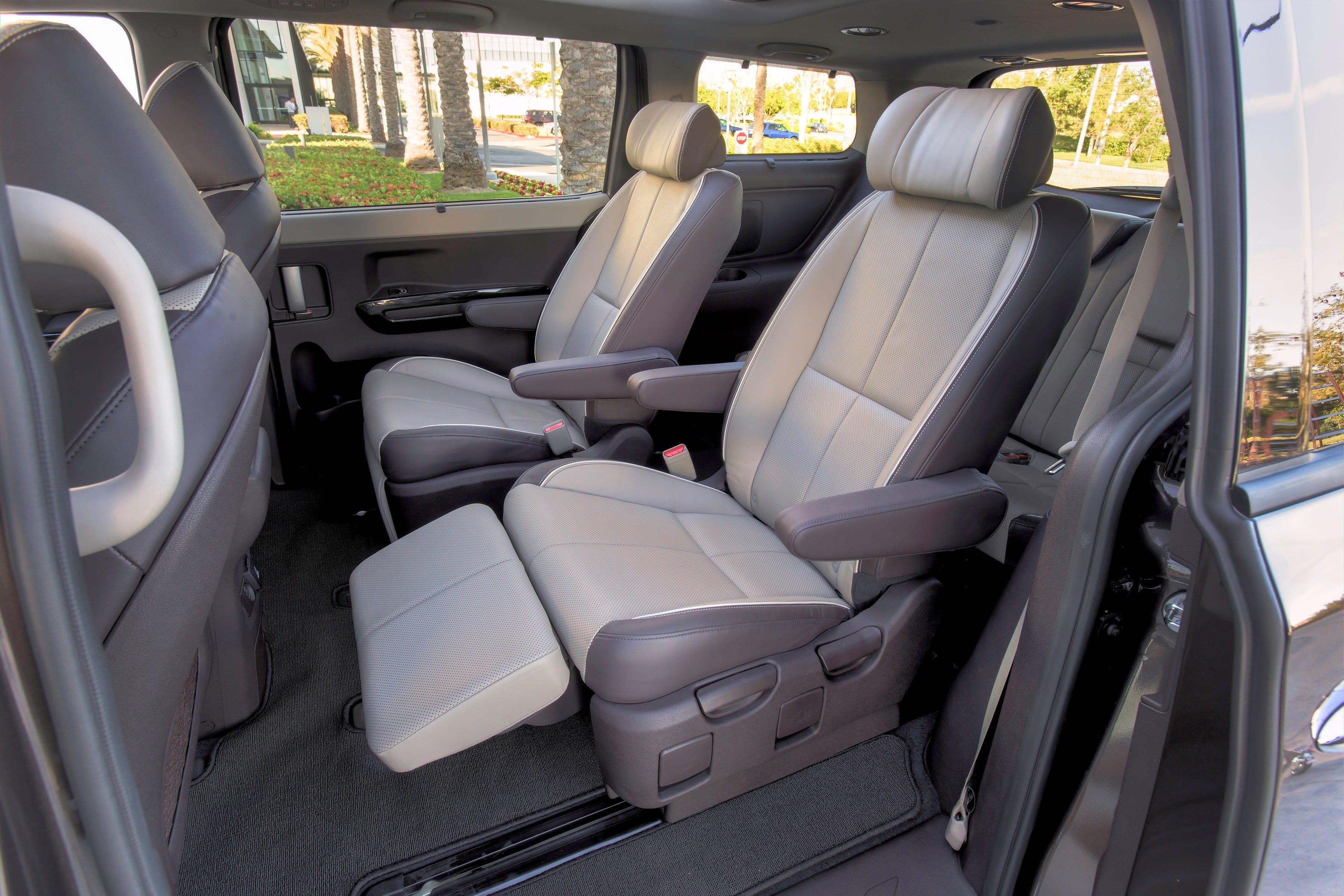 Second-row reclining lounge seats in high-end models & Test Drive: Kia Sedona van has 1st-class seating islam-shia.org