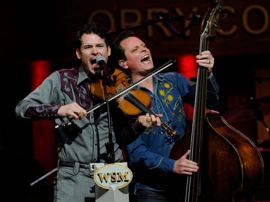 Ketch Secor and Morgan Jahnig of Old Crow Medicine