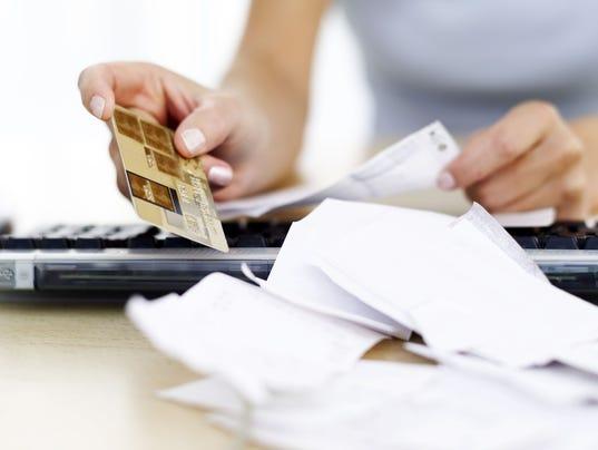 636373508715193190-credit-bills.jpg
