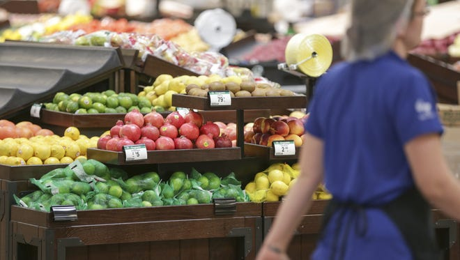 Students at Middle Tennessee State University will be able to get up-close looks at fruit and vegetables through a new partnership with Kroger and a grant from a healthy foods nonprofit.