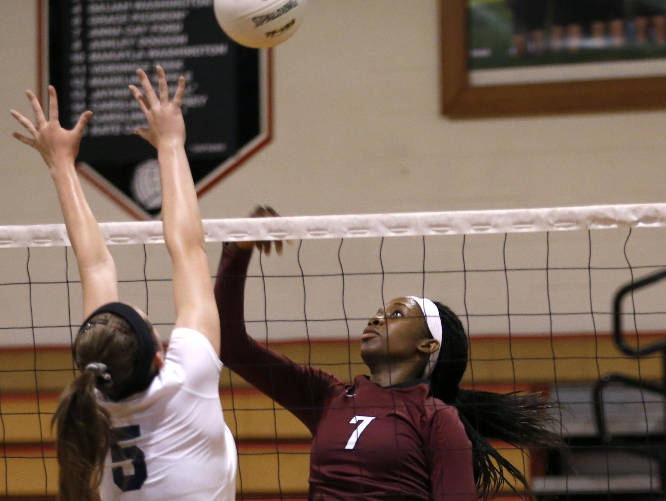 Florida High's Nylah Demps racked up 34 kills, 17 digs and 12 blocks as the Seminoles went 3-2 at the Battle of the Borders Tournament.