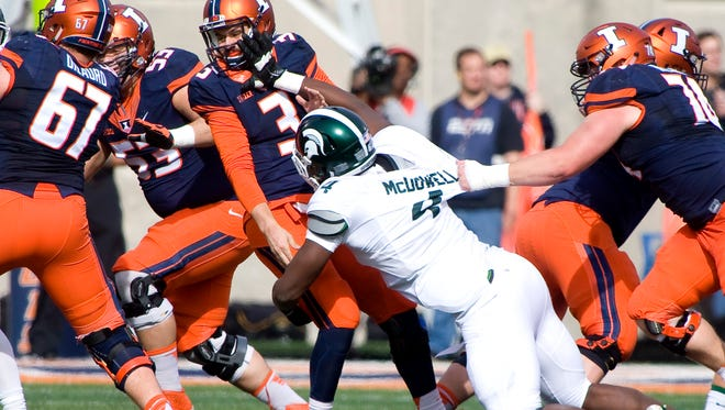 Michigan State defensive lineman Malik McDowell gets pressure on Illinois QB Jeff George Jr. last Saturday. This didn't happen enough for the Spartans. And hasn't this season.