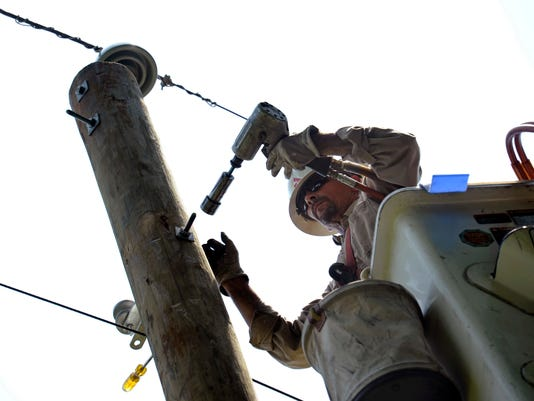 -MORBrd_08-16-2012_Daily_1_A011~~2012~08~15~IMG_Homes-Power_Outage_P_3_1_V42.jpg