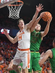 Clemson forward David Skara (24) guards Notre Dame