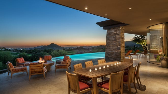From fixtures to furnishings, the desert contemporary style is inspired by elements derived from the natural surroundings to bring sophistication and functionality to both indoor and outdoor living spaces.