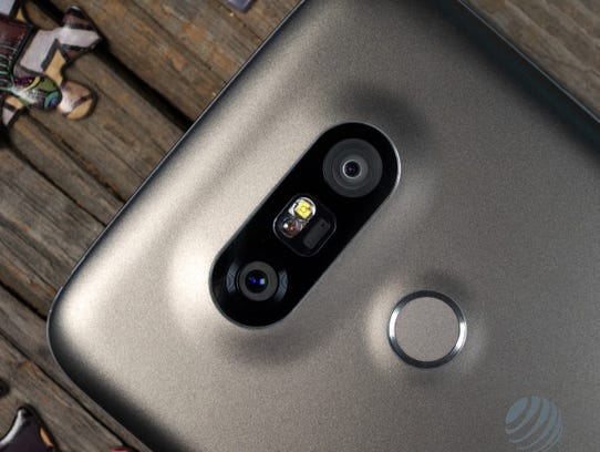 The LG G5 is one of the first twin-camera flagship