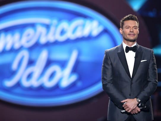 """Ryan Seacrest performs at the """"American Idol"""" farewell"""