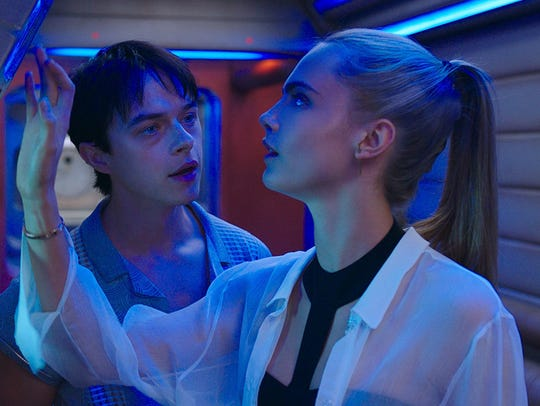 Dane DeHaan and Cara Delevingne are space operatives