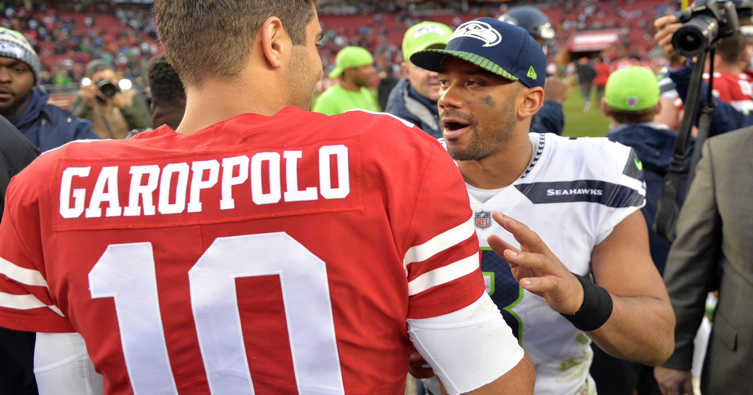 5b85fe86 Jimmy Garoppolo makes 49ers debut for 67 seconds in loss