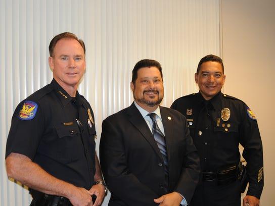 Joe Yahner, jefe de la policía de Phoenix, el concejal