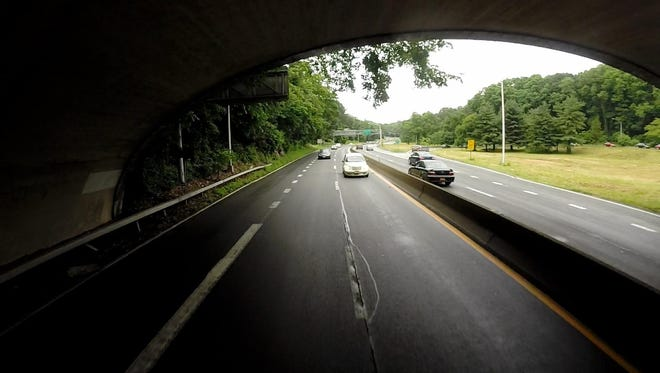 Saw Mill River Parkway, Yonkers: 67 accidents, 16 with injuries. Factors: Following too closely, driver inattention.