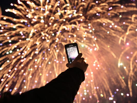 636655619900647734-Fireworks-30.JPG
