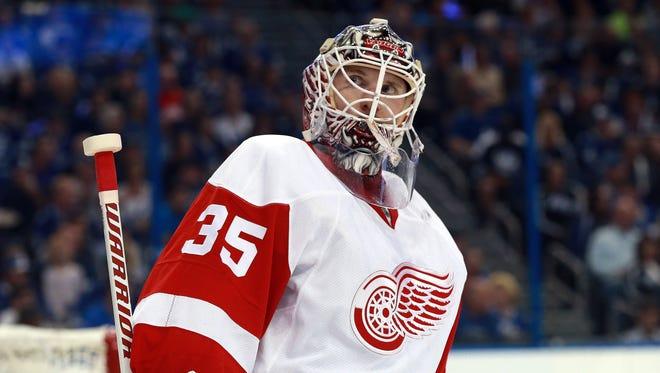 Red Wings goalie Jimmy Howard (35).