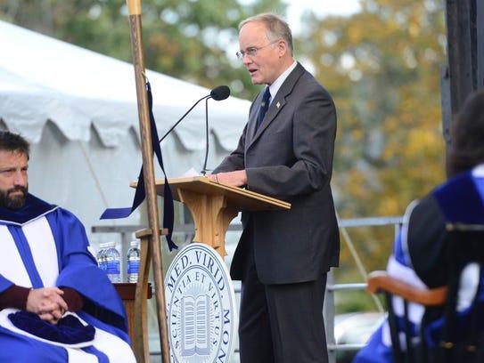Former Vermont Gov. Jim Douglas speaks at the inauguration