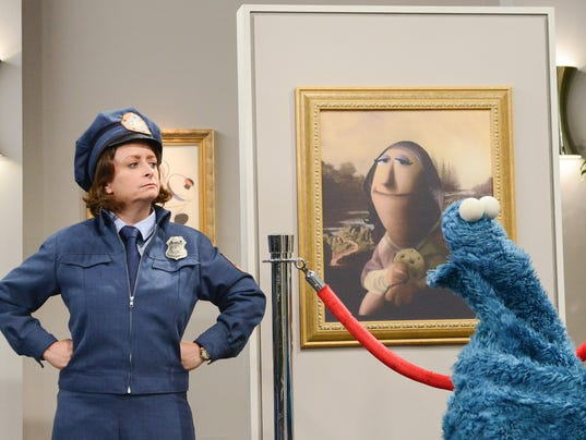 635593524612213550-Rachel-Dratch-suspects-Cookie-Monster-is-The-Cookie-Thief---Zach-Hyman