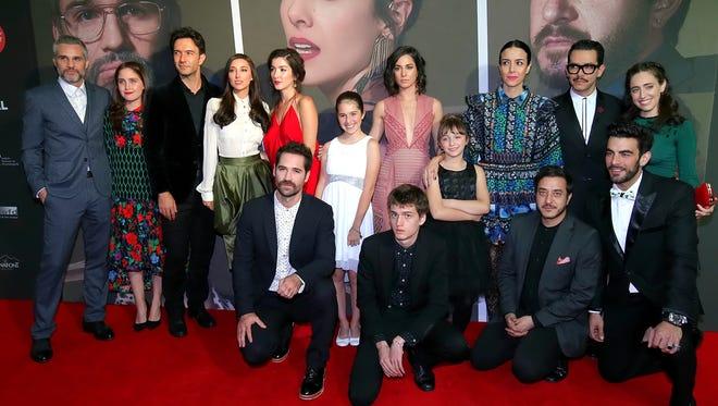 El elenco de la película La Vida Inmoral de la Pareja Ideal acudió este jueves a la premier de la cinta en el Teatro Metropólitan.