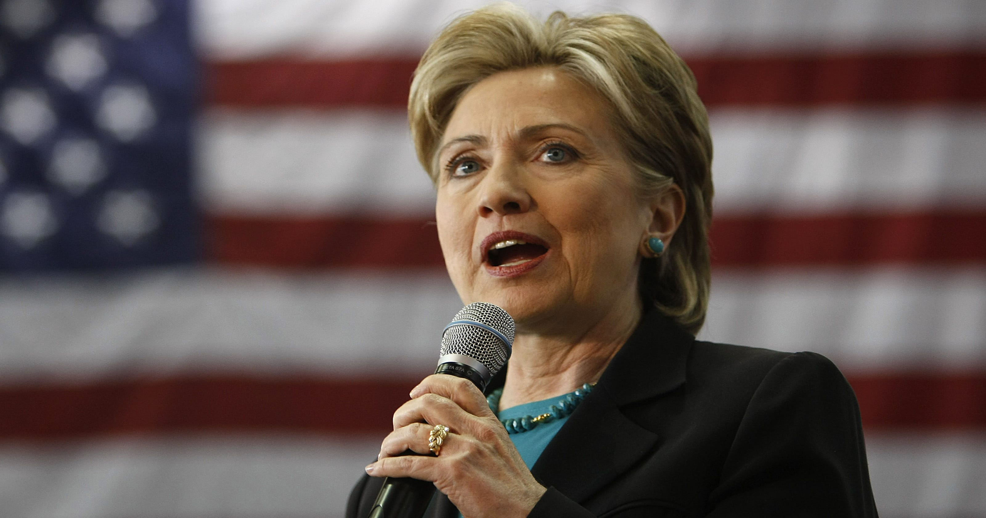 Hillary Clinton says she should have fired campaign worker ...