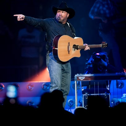 Can Garth Brooks save Sioux Falls hotels from a rough year?